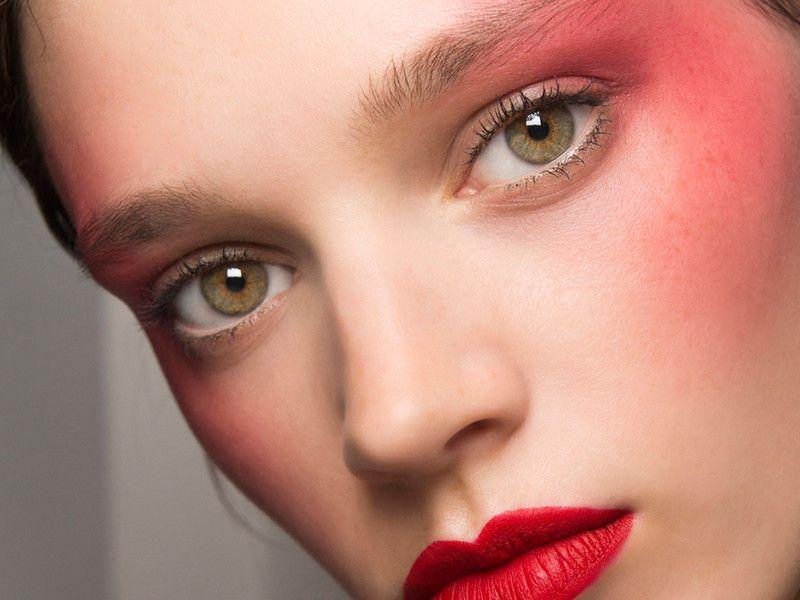 Neon Blush schmälert die Wangenknochen | Pinterest