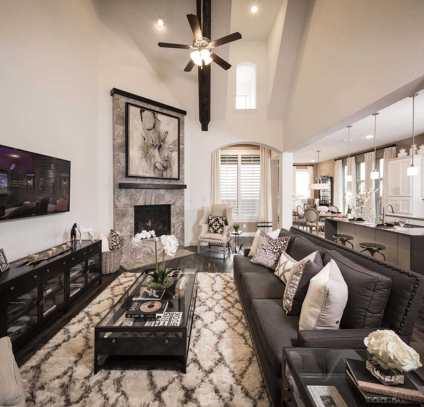 Highland Homes Plan 377 Model Home in Dallas / Fort Worth