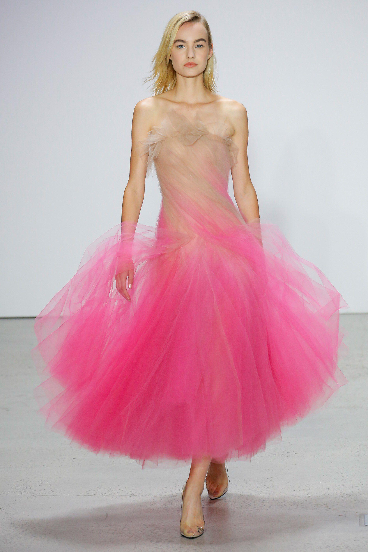 Oscar de la Renta Spring 2018 Ready-to-Wear Fashion Show | Oscar de ...