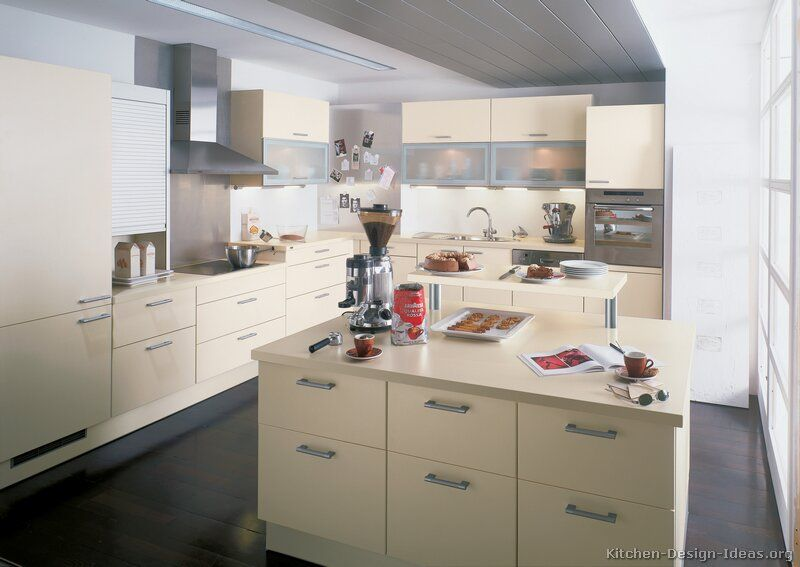 Kitchen Of The Day Modern Antique White Kitchen Cabinets 31 Alno Com Kitchen Design Ideas Org Antique White Kitchen Modern Kitchen Kitchen Design