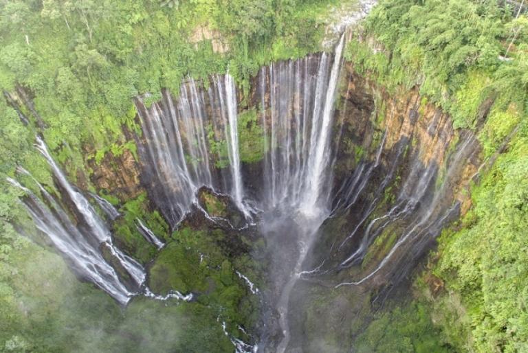 Wisata Air Terjun Tumpak Sewu Lumajang Air Terjun Pemandangan Air