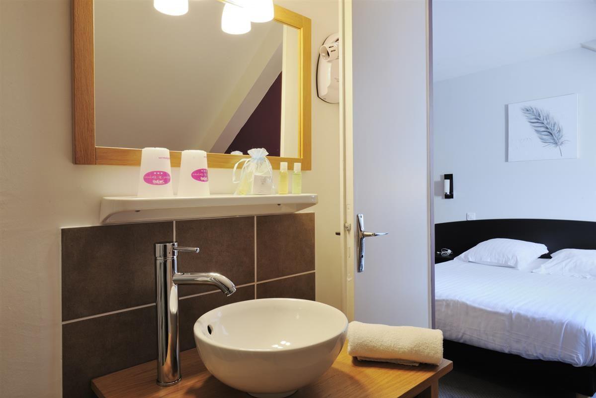 Salle De Bain Dans Chambre ~ chambre double hotel bayeux salle de bain et chambre confortable