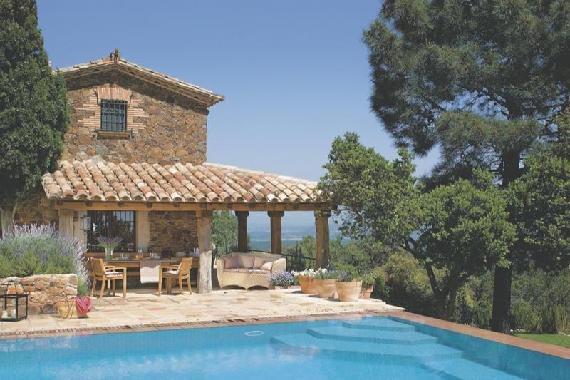 Una casa r stica y actual deliciso casas r sticas for Las mejores casas rurales con piscina