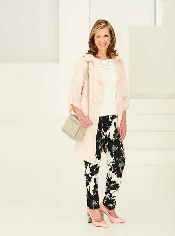 50 Decent Capsule Wardrobe For 60 Year Old Women 2019 Plus Size Women Fashion Fashion Womens Fashion Minimalist Wardrobe Capsule