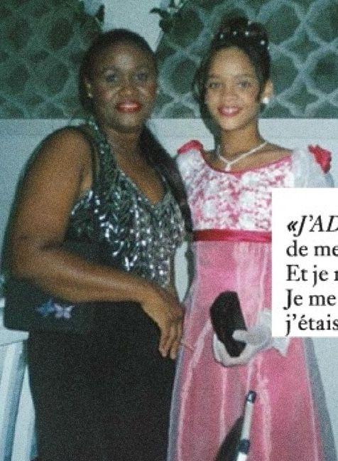 Rihanna Mom And Dad : rihanna, Always, Looked, Pretty!, #rihanna, Rihanna, Looks,, Outfits,, Style