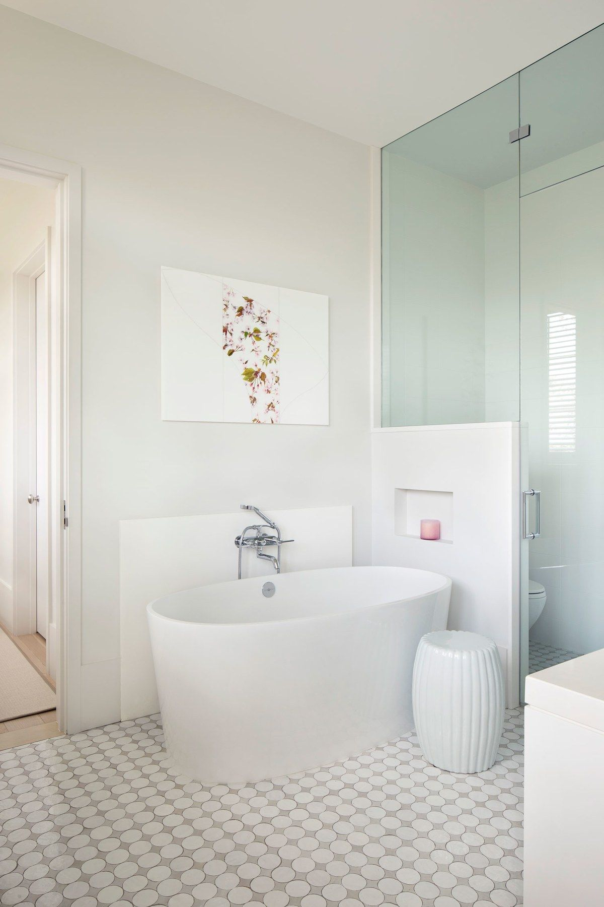 Badezimmer ideen klein the poolus graphic design inspired the flooring in the master bath