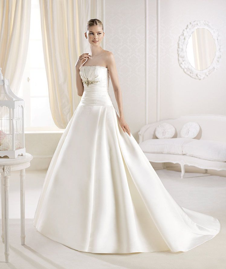La Sposa apresenta o vestido de noiva Ialeel da Coleção Glamour 2014. | La Sposa