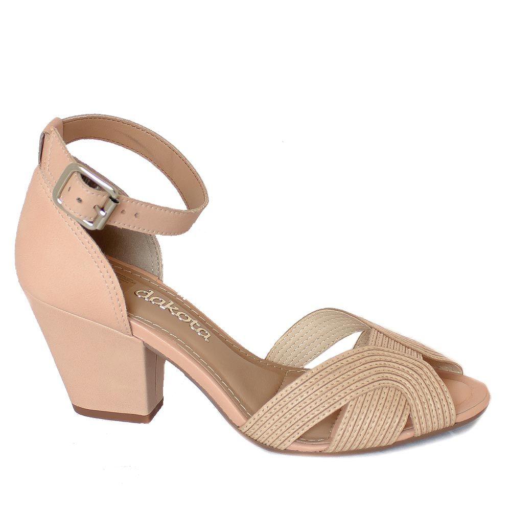 bbe67e4bf6 Sandália Feminina Dakota Nude Salto Grosso B8212 Sapatos Rasos
