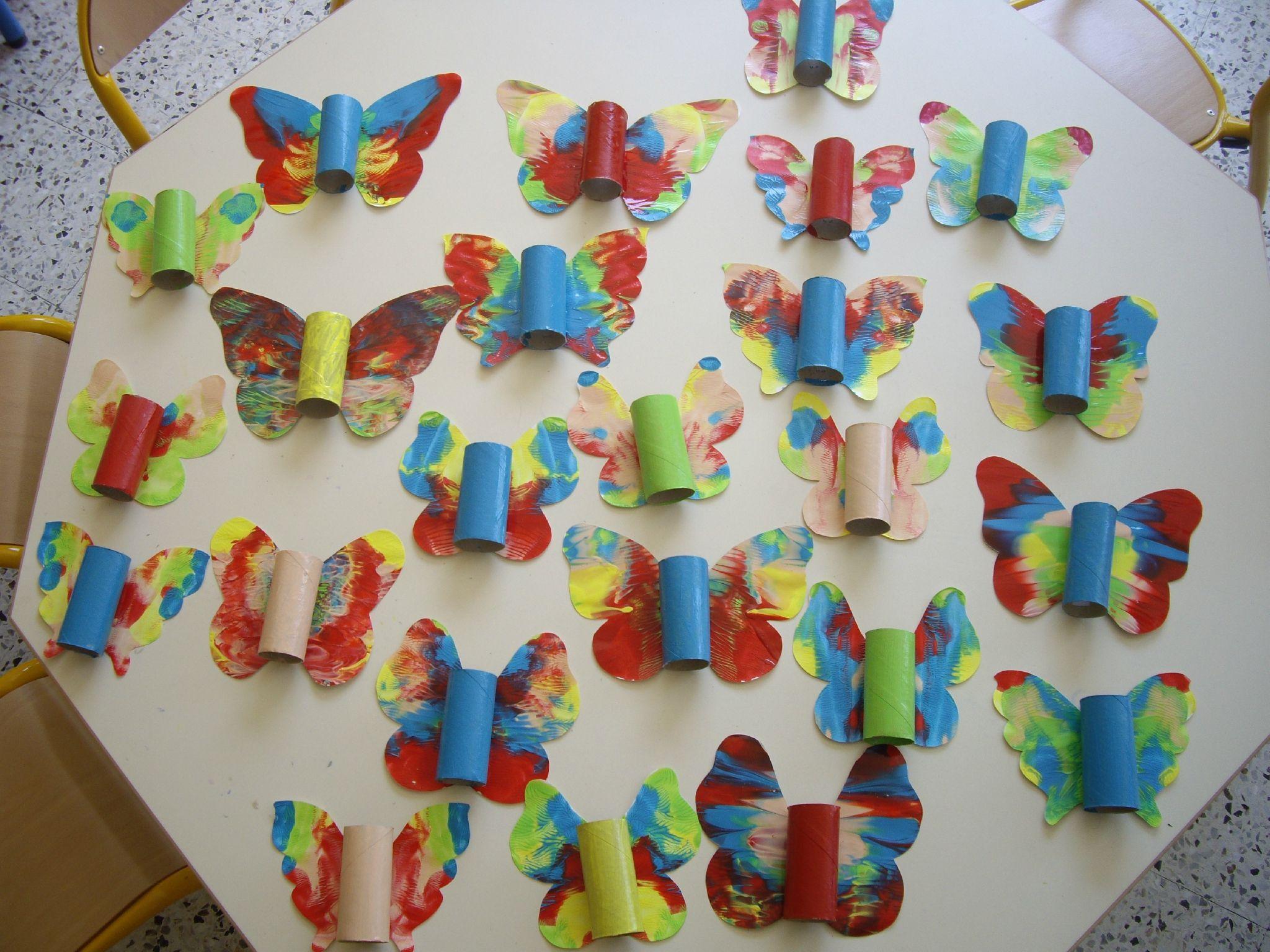 Des papillon en 3D - ☺Arts visuels en maternelle☺ (avec images)   Arts visuels, Papillon, Art