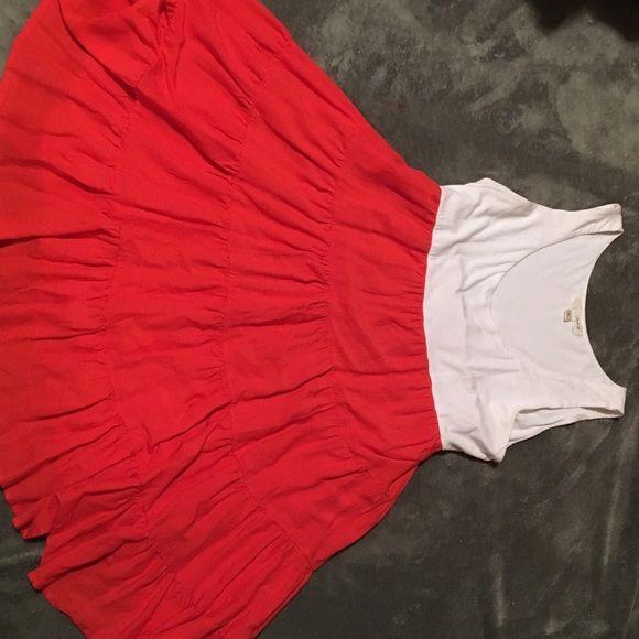 White & Tangerine mini flair dress. White & Tangerine mini flair dress. Falls about mid thigh. Tie in rear. Faith 21 Dresses Midi