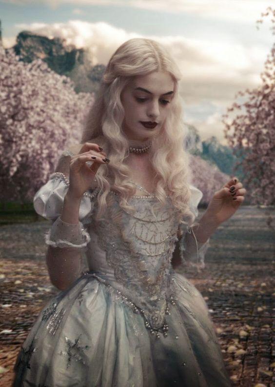 eb3291aa6 la reine blanche Reina Blanca Alicia