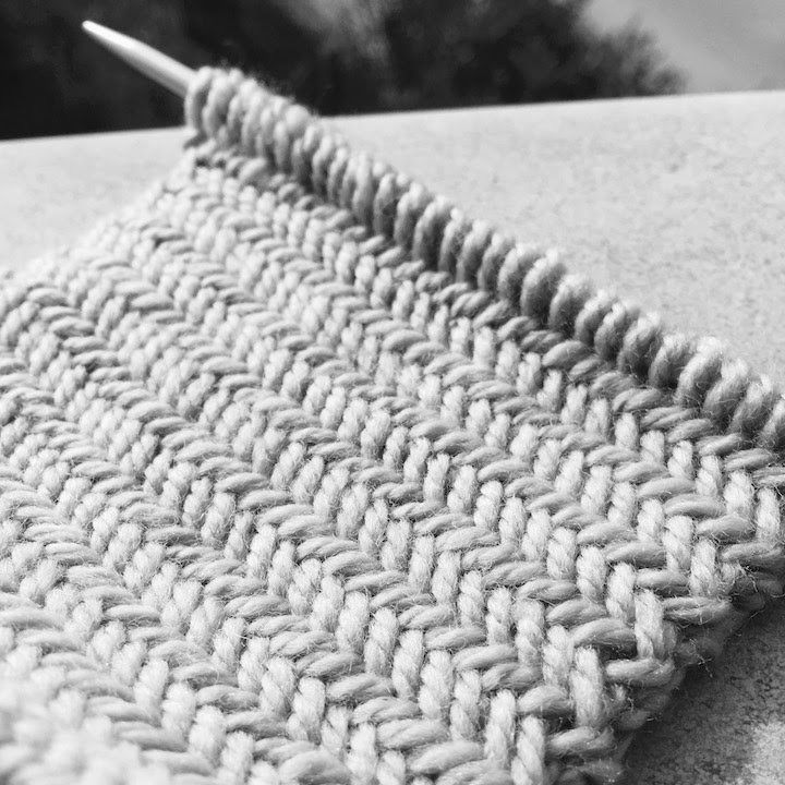 Knitting patterns Herringbone stitch pattern Le point de chevron ...