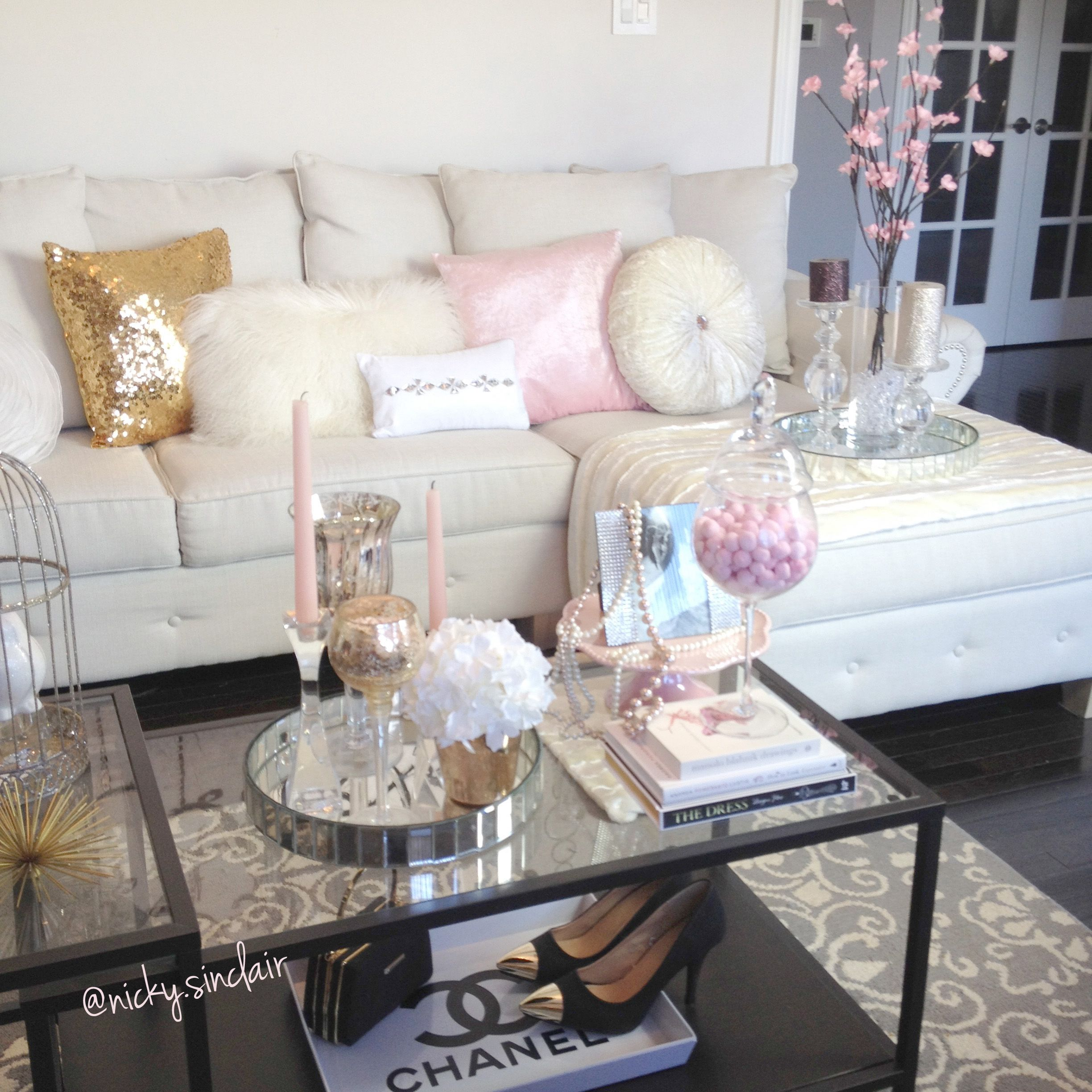 Feminine glam living room via ig for Accessories for bedroom ideas