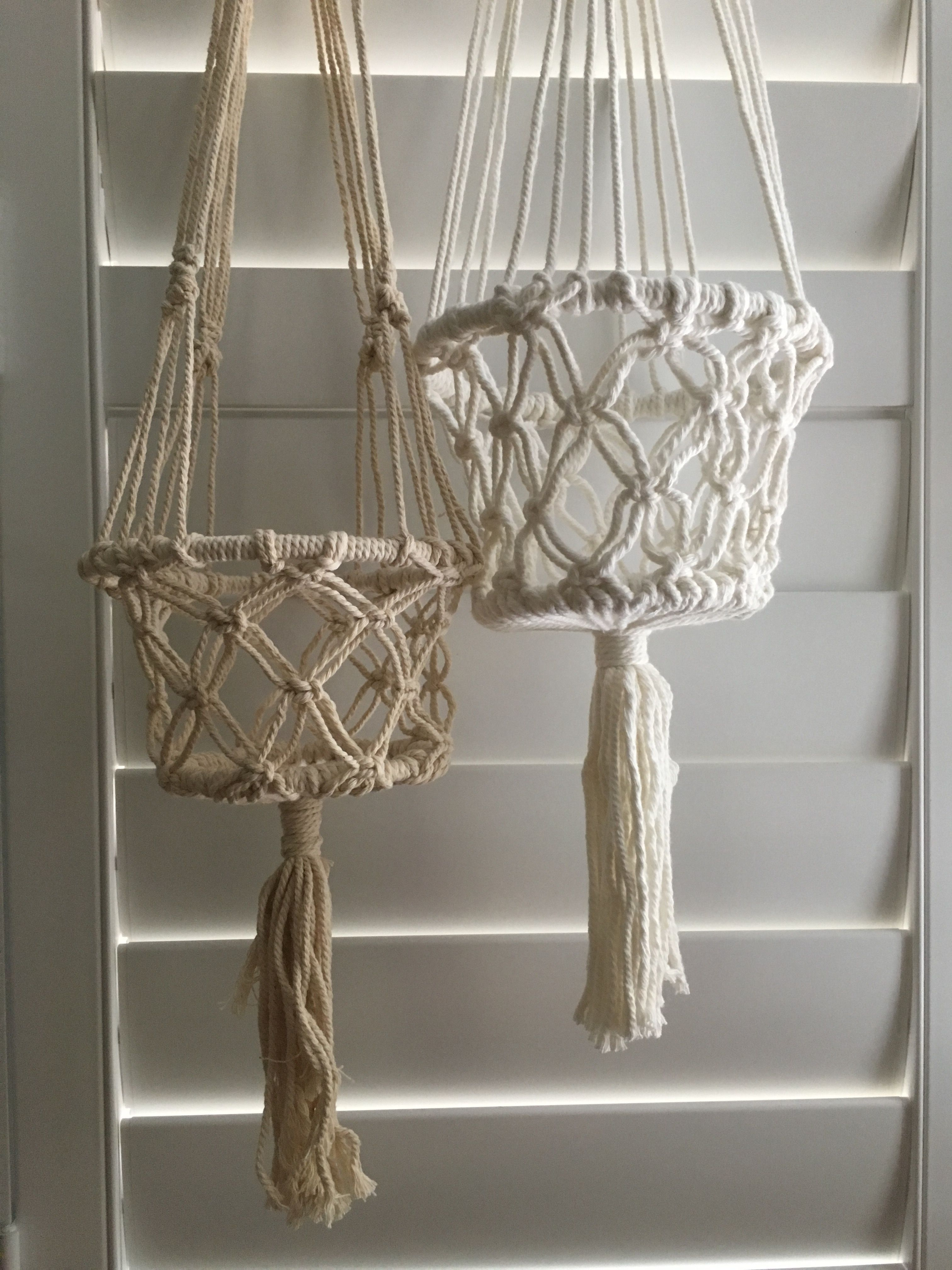 macrame hanging basket buy on line macrame hanging baskets by nomad www 8704