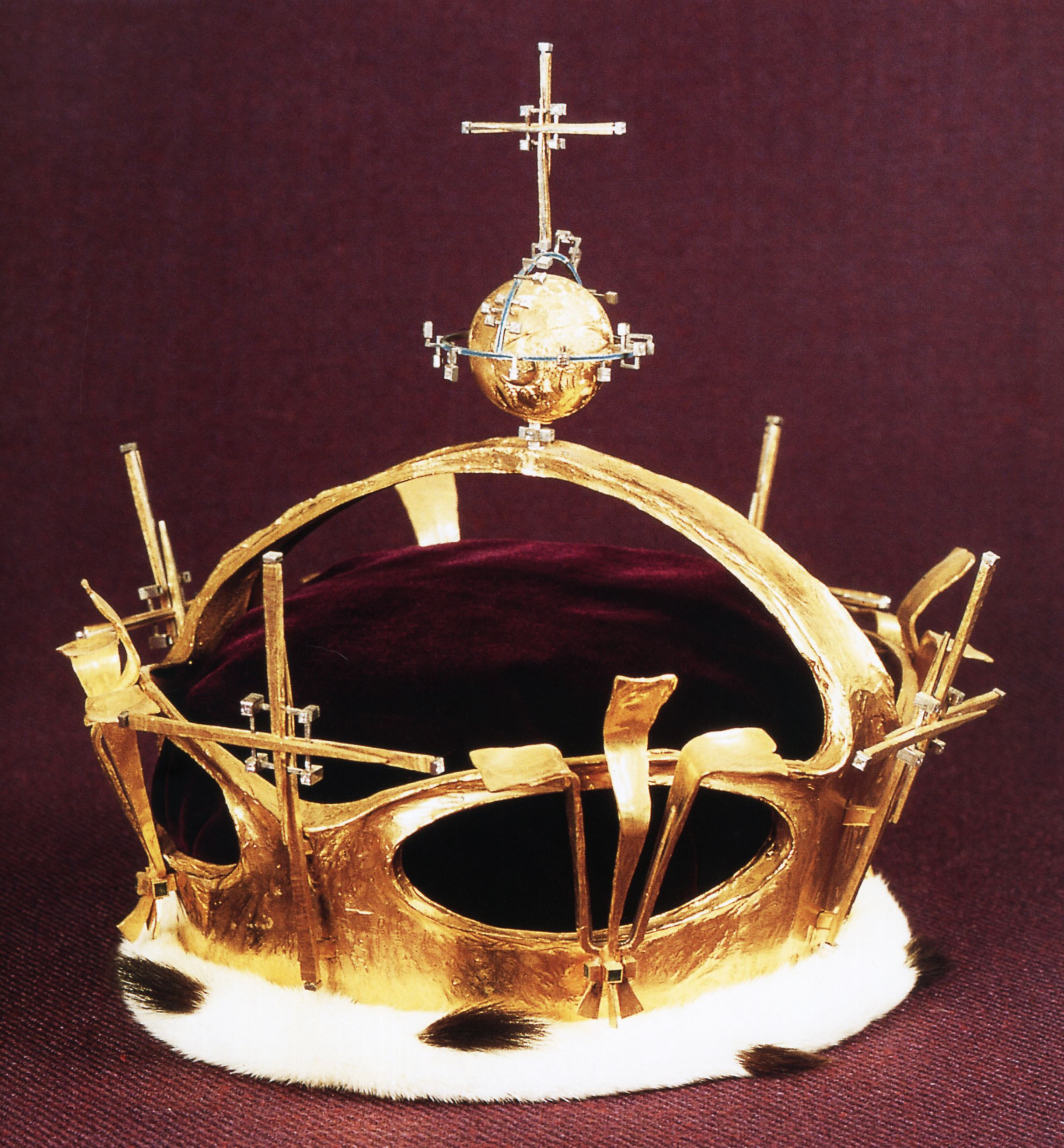 Prince of Wales coronet created for the investiture of Prince ...