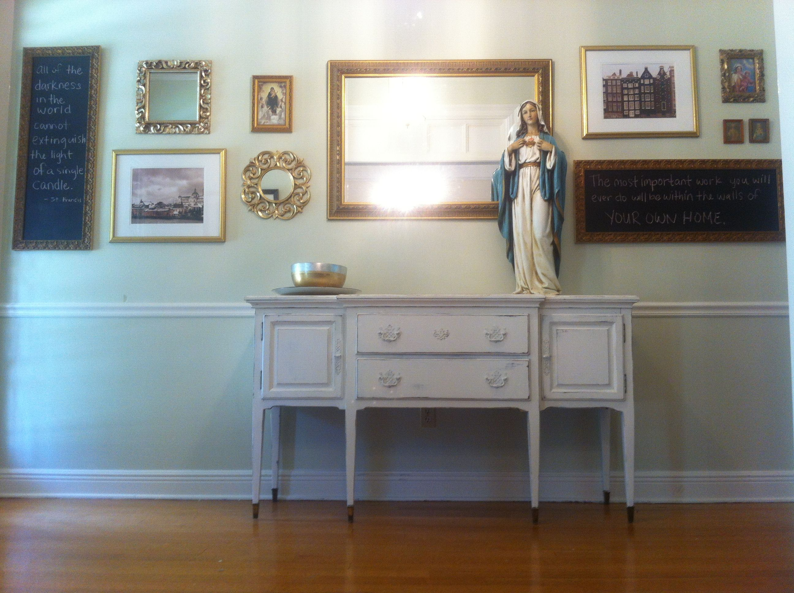 same color above and below chair rail | foyer | Pinterest | Frame ...