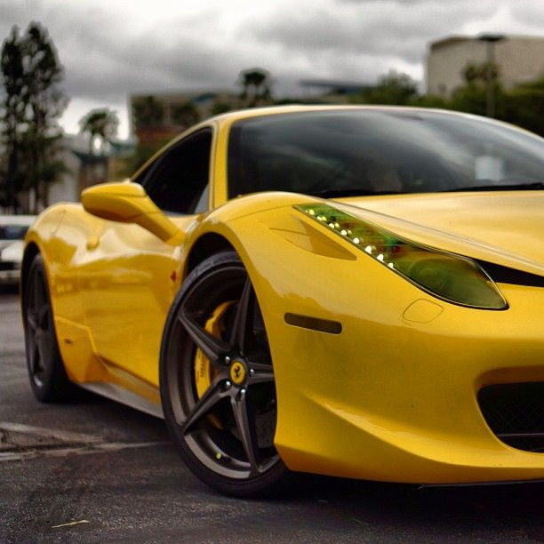 Beautiful Sunburst Yellow Ferrari 458!