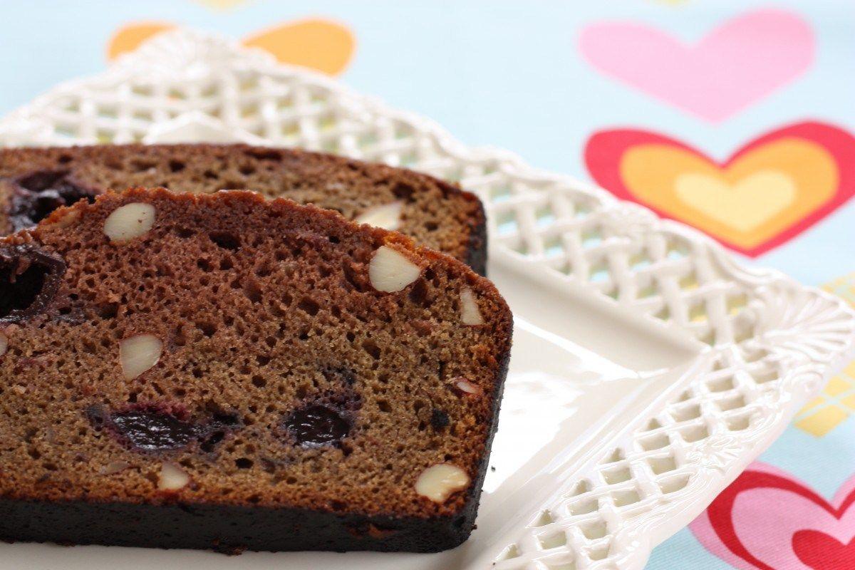 Chocolate Cherry Almond Amish Friendship Bread | www.friendshipbreadkitchen.com