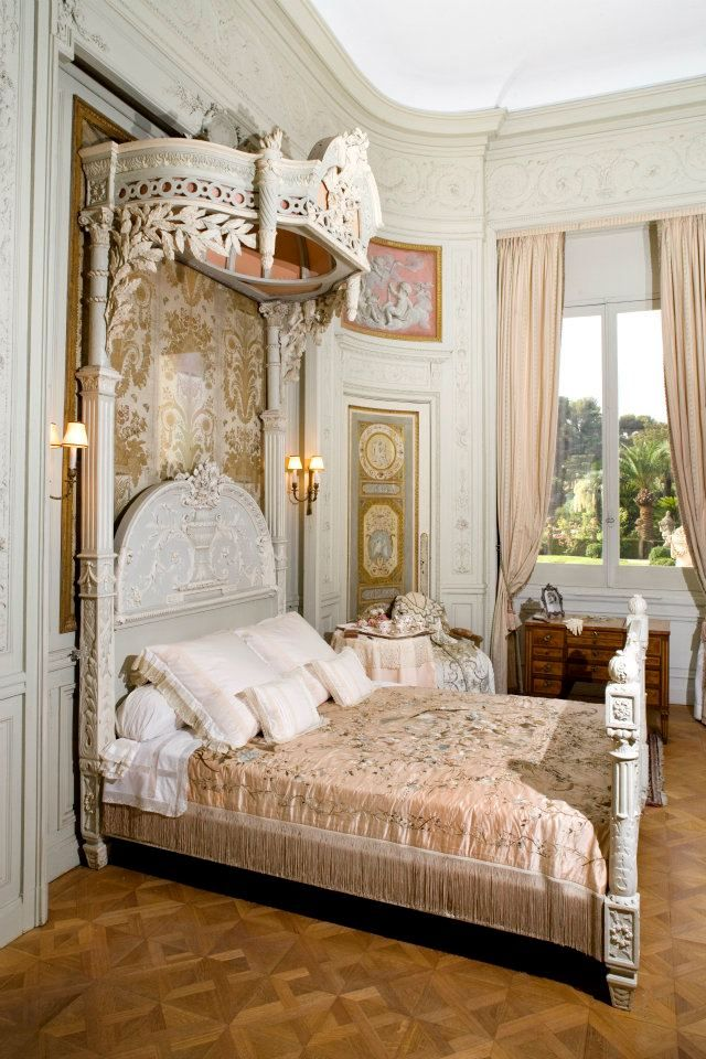 Antique Bedroom Furniture / Beds ~ Villa Ephrussi de Rothschild