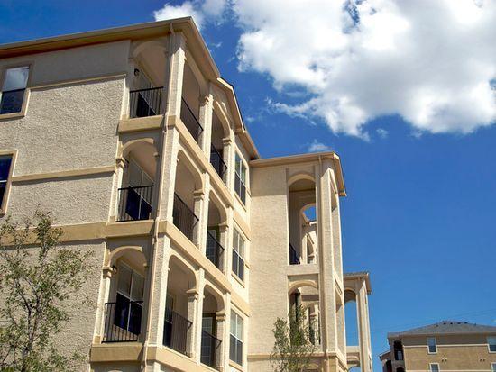 Crown Ridge Apartments San Antonio Tx 78255 Zillow Pet Friendly Apartments Cool Apartments Future Apartment