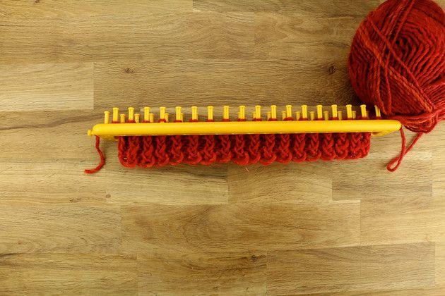 Tuto : tricoter facilement une écharpe avec un tricotin long