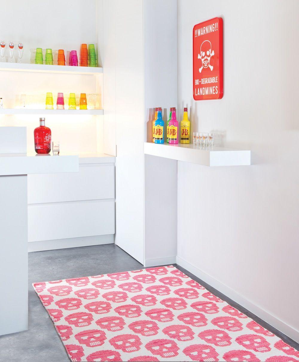 free tapis rose tte de mort skull de chez saint maclou with tapis vintage saint maclou. Black Bedroom Furniture Sets. Home Design Ideas