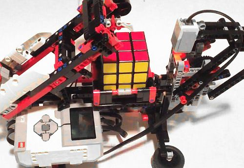 David gilday has published building and programming instructions david gilday has published building and programming instructions to create a robot called mindcub3r that can sciox Gallery