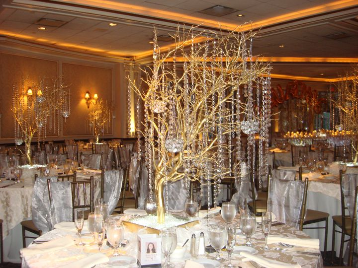 Manzanita crystal tree rental in gold