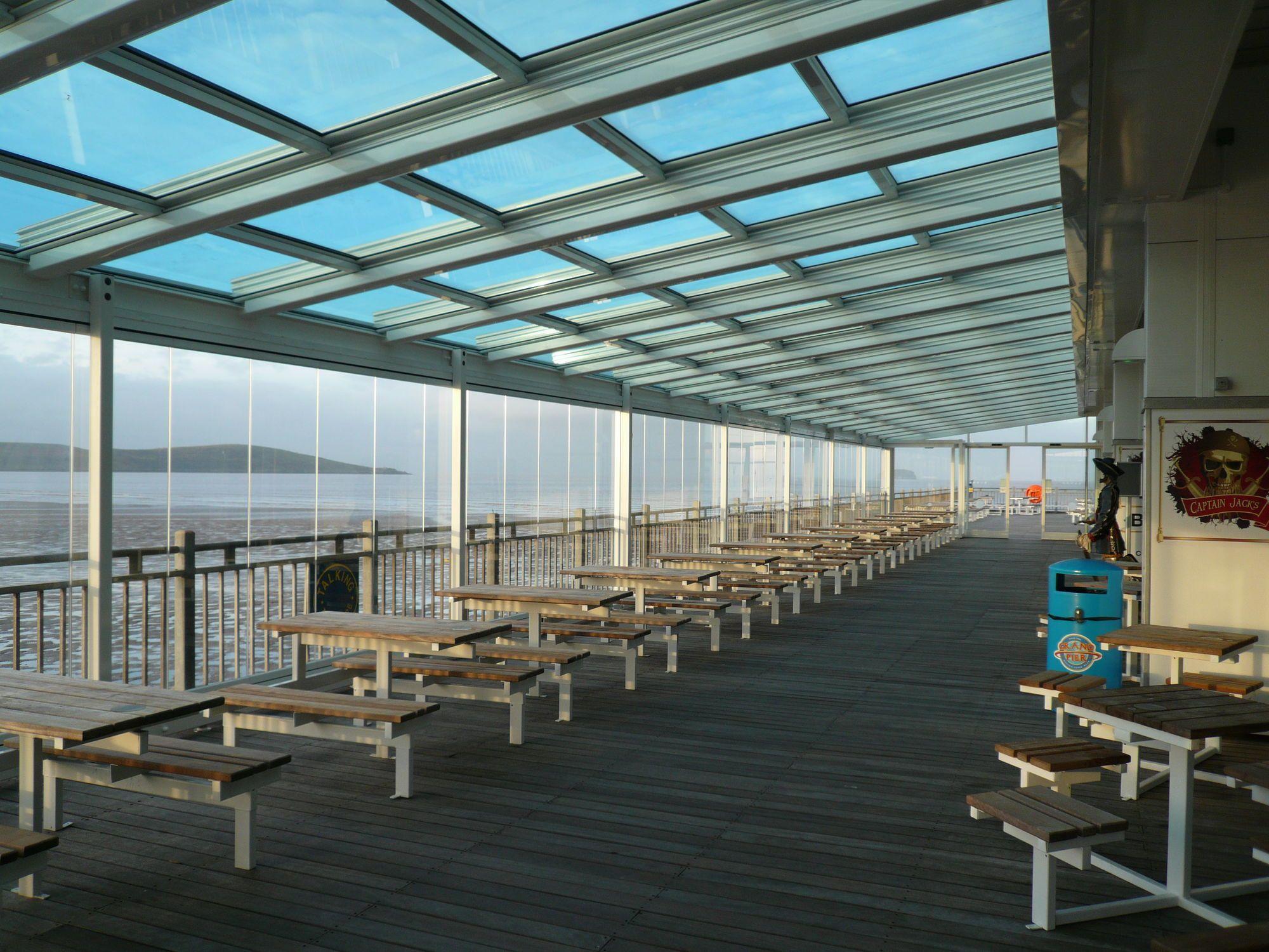 Aluminum Roofing Waterproof Sliding T5000 5 4 4c Airclos Aluminium Systems Aluminum Roof Retractable Roof Modern Pergola