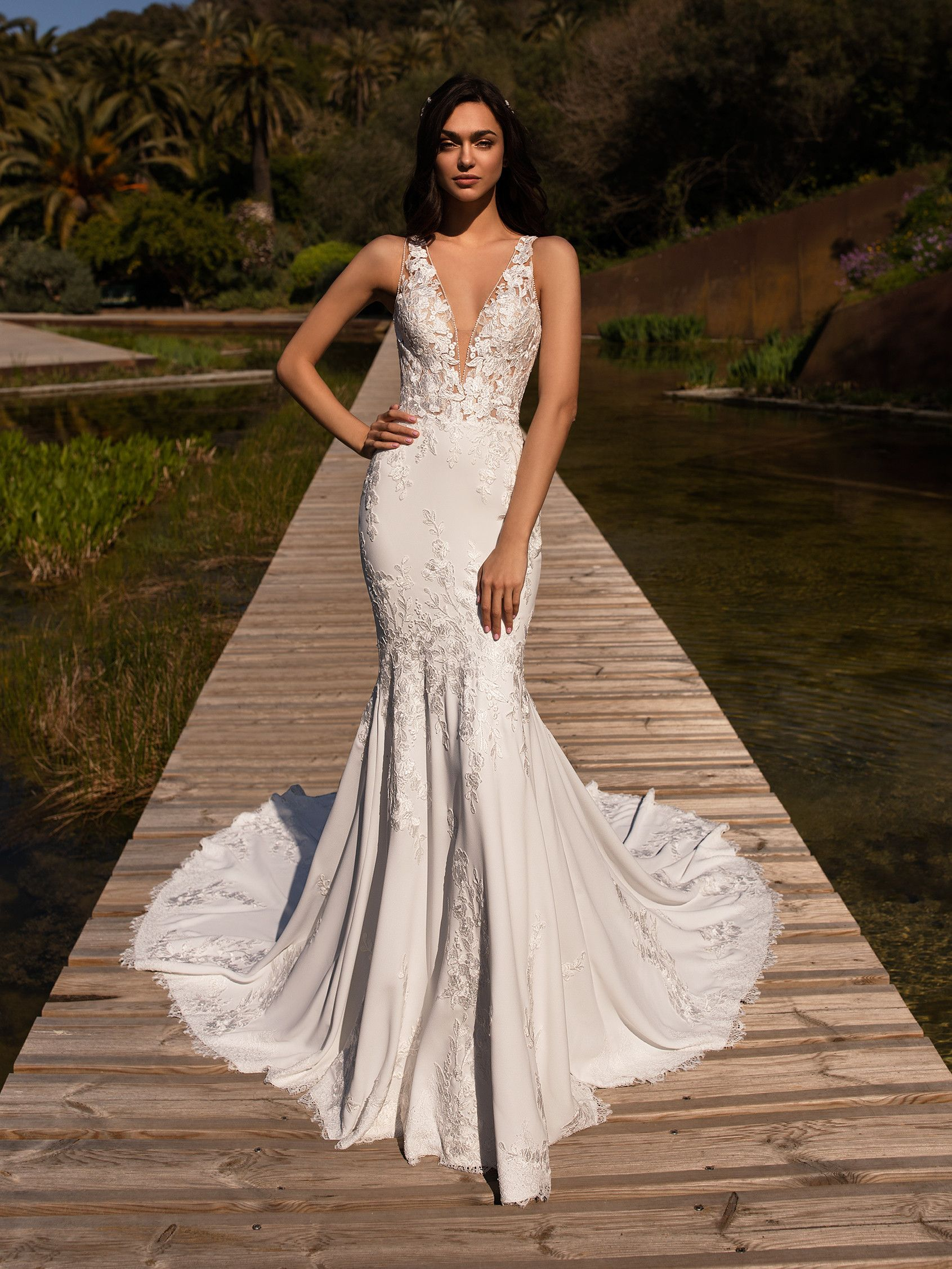 Alcyone from Pronovias. Mermaid dress in crepe with