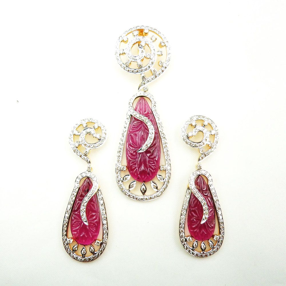 K yellow gold diamond pendant sets designer tourmaline carving