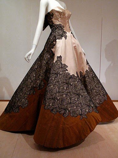 textures // Charles James Ball Gown, 1953 Charles James was a ...