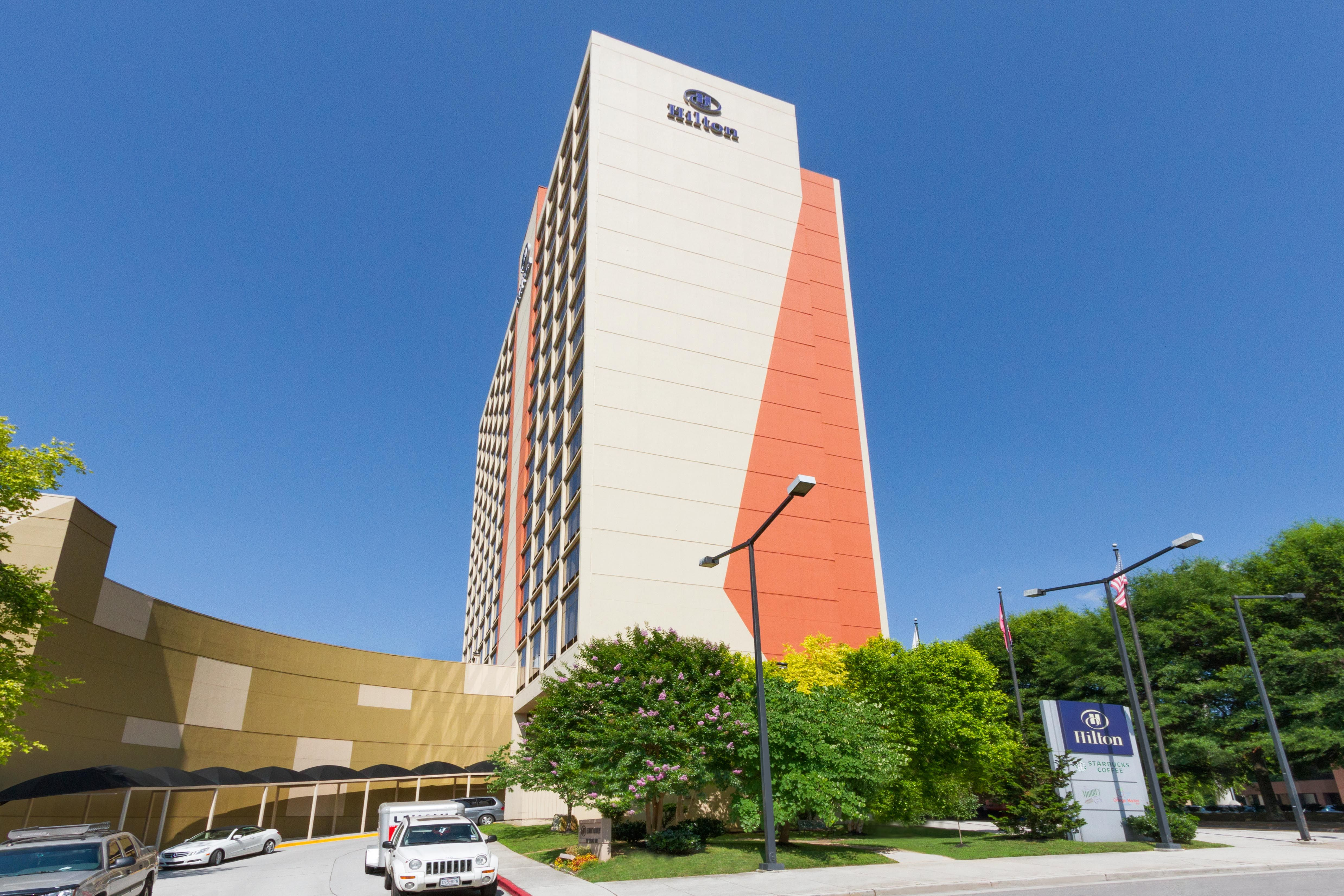 The Newly Renovated Hilton Knoxville Located In The Heart Of