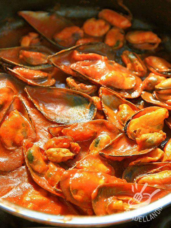 Cozze Al Pomodoro Piccante Ricetta Pesce Cozze Ricette E