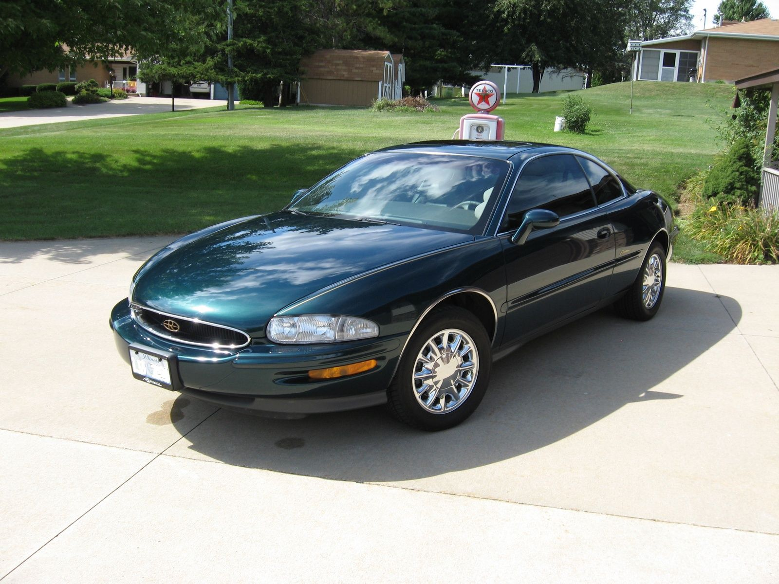 1990 Buick 1998 Buick Riviera Supercharged Coupe, 1998