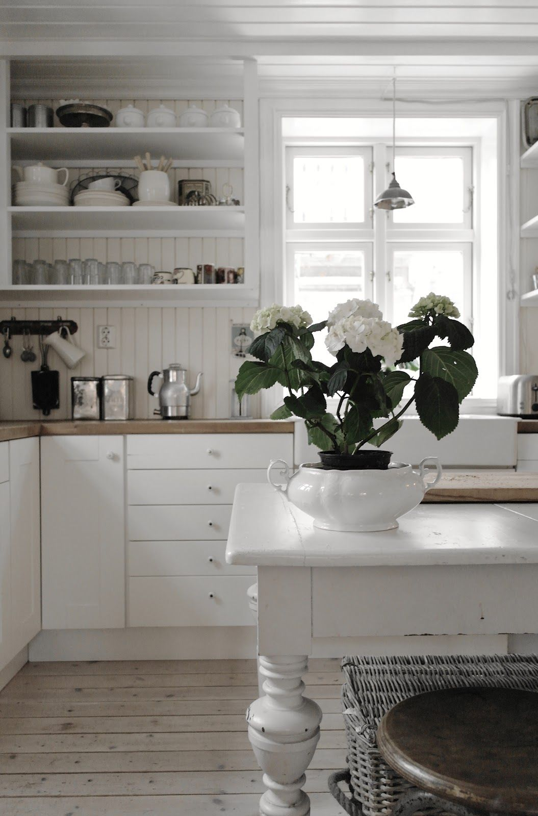 The Benefits Of Open Shelving In The Kitchen: Kitchen #white #decor, I Like The Wood Paneling On The