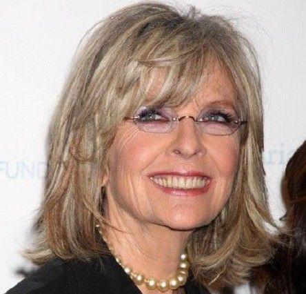 10 Hairstyle Ideas That Will Knock 10 Years Off Your Age Page 2 Diane Keaton Hairstyles Medium Length Hair Styles Medium Hair Styles
