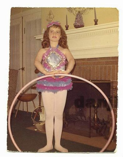 Minnie had ever confidence she would kill with her intricate hula hoop routine at the Mark Twain Elementary talent show.