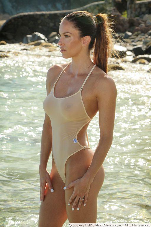 Pin By Isomorphic Blue On Malibu Strings In 2019 Bikini Outfits Bikinis Bikini Girls