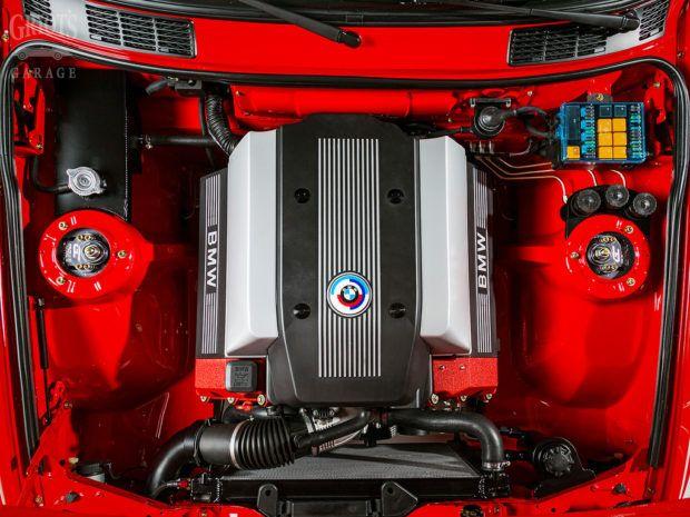 Bmw E30 With A M60 V8 Bmw E30 Bmw E30 Touring Bmw Engines