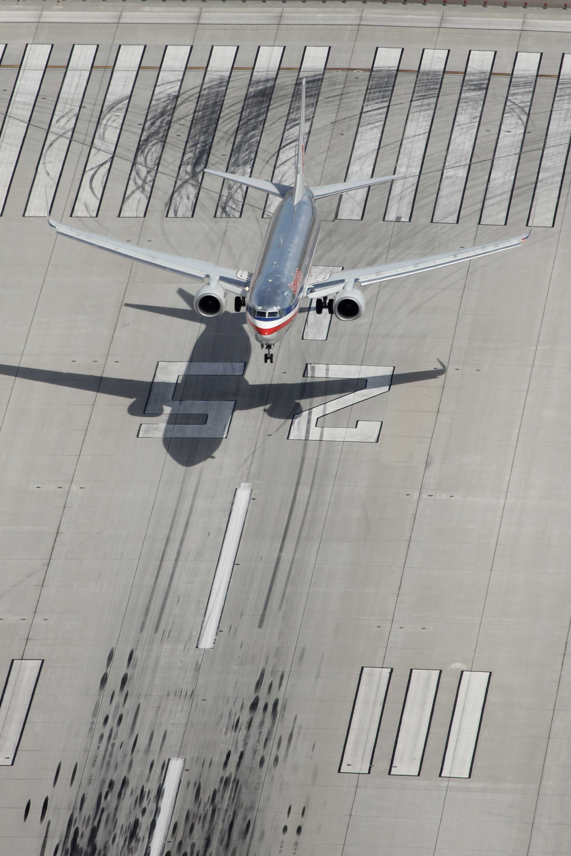 Ready for touchdown AA 737 Boeing aircraft, Aviation