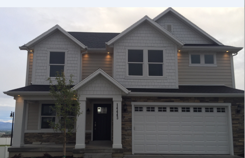 Good looking home done in james hardie cobblestone lap for Hardiplank home designs