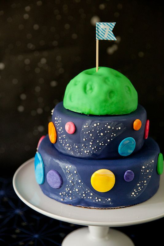 Andrew 39 s outer space birthday party outer space annie for Outer space cake design