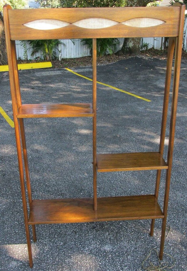 Modern homes los angeles brentwood untouched 1960 mid century modern - Mid Century Modern Lighted Room Divider Shelf Unit