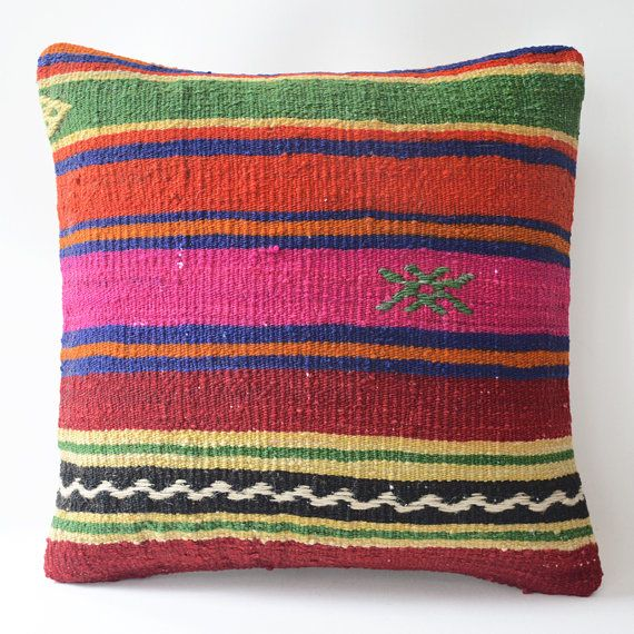 Wool Modern Organic Throw Pillow