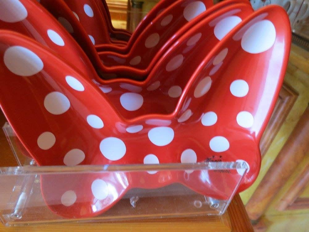 Tavolo minnie ~ Minnie mouse bow serving tray disney home trays
