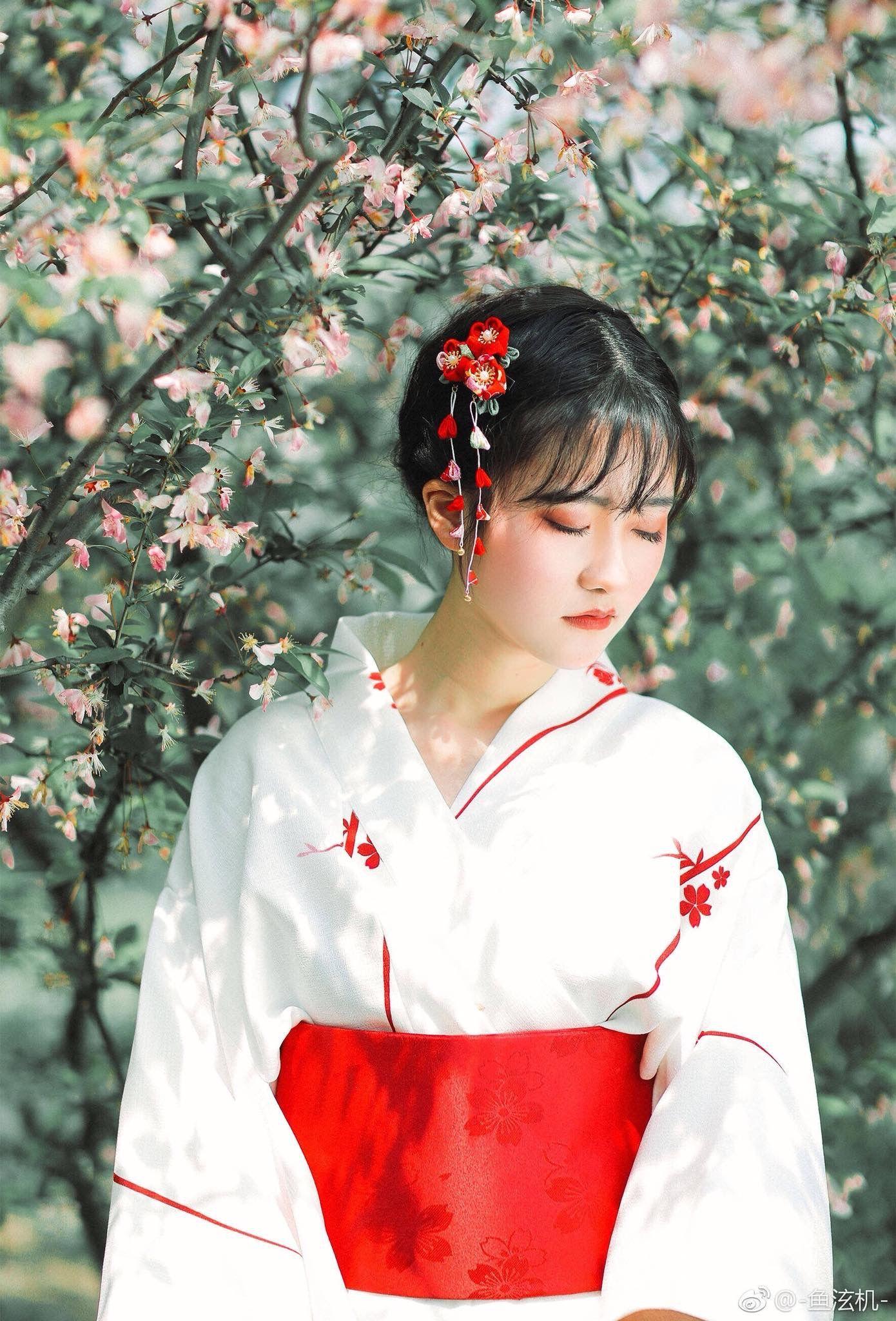 Ghim của Nuk Kinbai trên Kimono / Yukata. Cosplay, Nhật bản