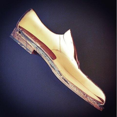 http://chicerman.com  carminashoemaker:  Goodyear welt technology dissection - Part I  #menshoes