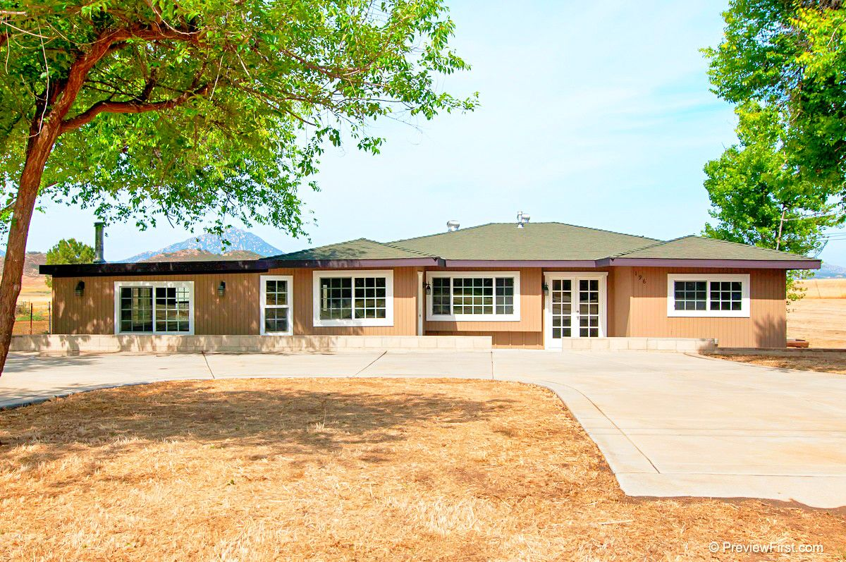A Move-in Ready Ranch Style Home With Updated Island