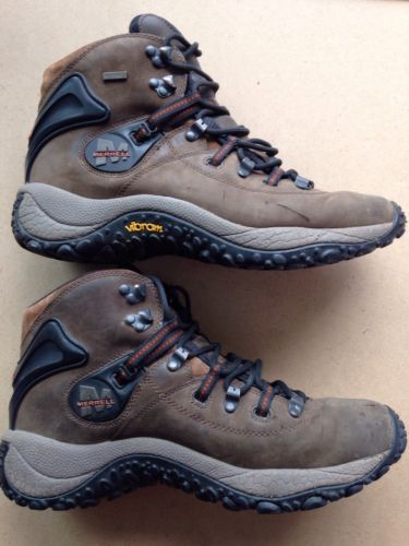 22fd374b5b3ccb Merrell Phaser Peak Waterproof Dark Brown Leather Hiking Boot Men s in  Clothing